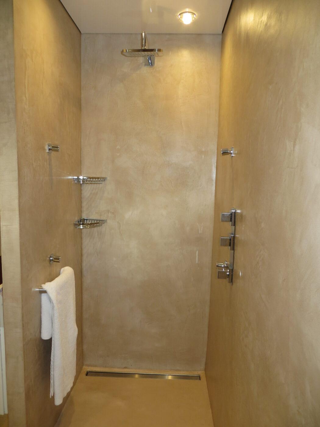 Rénovation salle de bain - exemple 02 - béton ciré ...